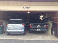 samochody w garażu